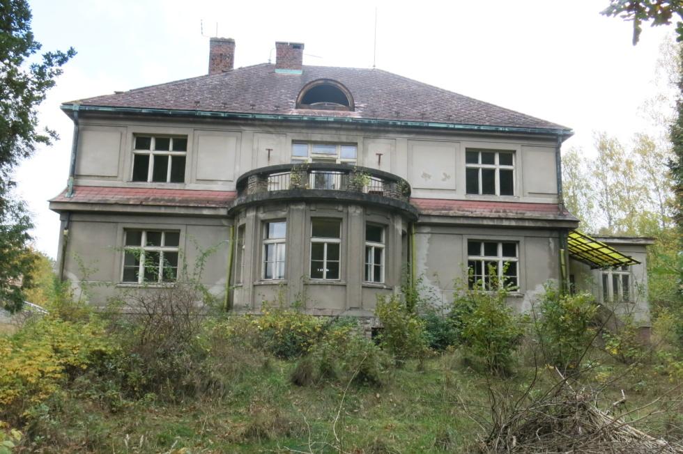 Dražba bývalé vily továrníka Rtyně v Podkrkonoší